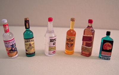 Townsquare Miniature Set Of Six Assorted Liquor Bottles 1:12 scale