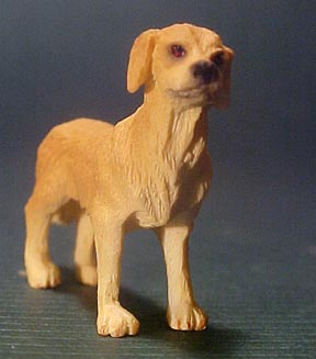 Falcon Miniature Golden Retriever 1:24 scale