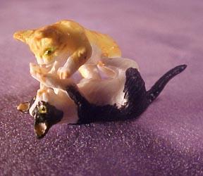 Miniature Wrestling Resin Kittens 1:24 scale