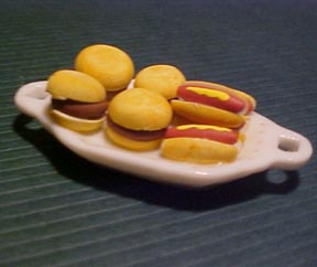 Hot Dog and Hamburger Platter 1:12 scale