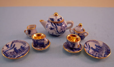 A Woman's Touch Hand Crafted Blue Willow Tea For Two Set 1:24