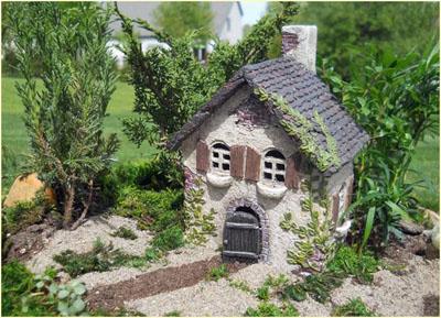 Fairy Garden Ivy House Resin Fairy Garden House 1:12 scale