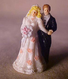 J Kendall Wedding Couple Statue 1:12 scale