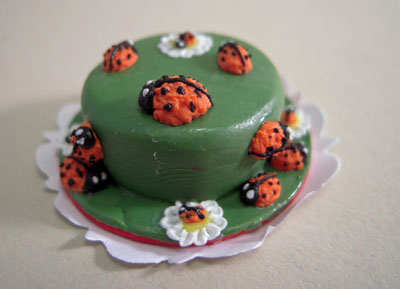 Bright deLights Lady Bug Cake 1:12 scale