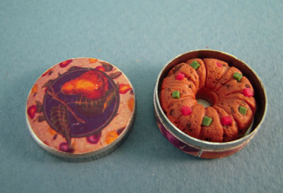 Bright deLights Tin Of Fruit Cake 1:12 scale