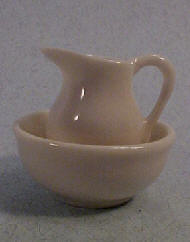Townsquare White Pitcher and Bowl 1:12 scale