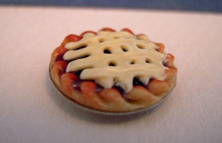 Bright deLights Lattice Crust Berry Pie 1:24 scale