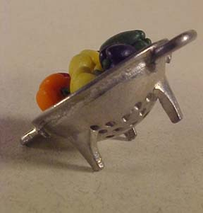 Bell Peppers In A Colander 1:12 scale