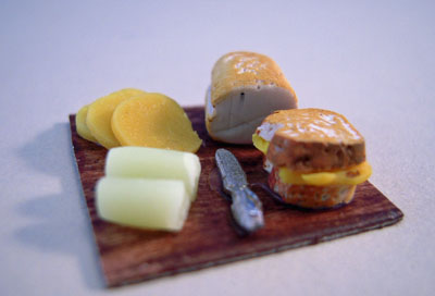 My Minis Grilled Cheese Preparation Board 1:24 scale