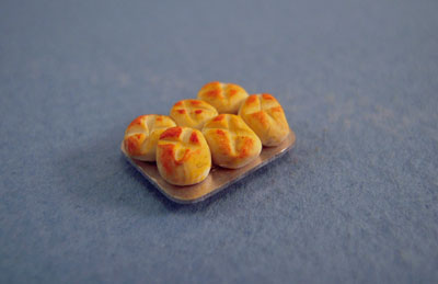My Minis Miniature Pan Of Muffins 1:24 scale