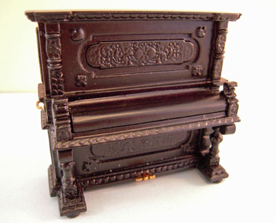Mountain Miniatures 1:24 Scale Black Victorian Upright Piano