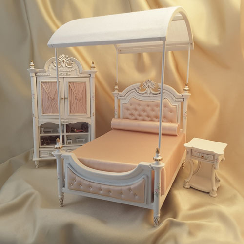 Majestic Mansions Three Piece Hand Painted Madeline Bedroom Set 1:12
