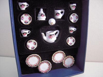 Reutter Porcelain Black Rose Tea Set 1:12 scale