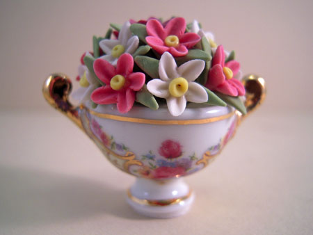 Reutter Porcelain Cup with Flowers 1:12 scale