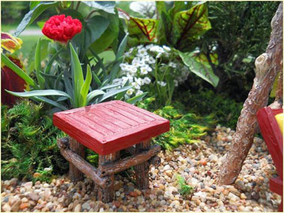 Fairy Garden Miniature Red Wood Table 1:12 scale