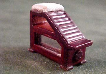 Bespaq Emporium Shoe Fitting Stool 1:24 scale