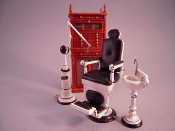 Bespaq White 4 Piece Dentist's Set 1:24 scale