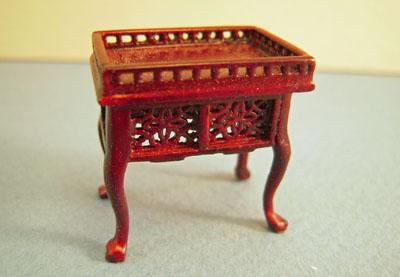 Bespaq Mahogany Washington Gallery Tea Table 1:24 scale