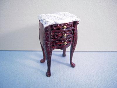 Bespaq Mahogany Small Bombe Table 1:24 scale