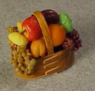 Shaker Fruit Basket 1:12 scale