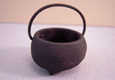 Sir Thomas Thumb Black Iron Cauldron 1:12 scale