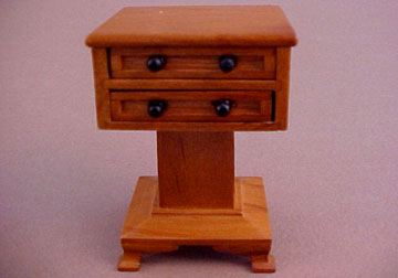 Lincoln Side Table 1:12 scale