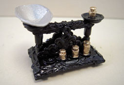 """1"""" Scale Miniature Scale with Weights"""