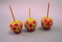 "1"" Scale Bright deLights Scary Candy Apples"
