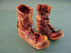 "Prestige Leather Hand Crafted 1"" Scale Old Worn Out Work Boots"