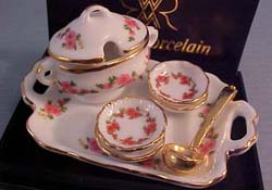 "1"" Scale Reutter Lisa Design Soup Set"