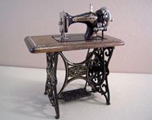 "1"" Scale Miniature Reutter Porcelain Metal Sewing Machine"