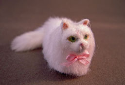 """Alice Zinn Hand Crafted 1"""" Scale Sandy White Persian Cat"""